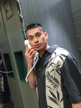 You hear my phone ringing'?